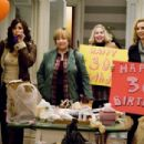 "(L-r) GINA GERSHON as Sharon, KATHY BATES as Patricia, NELLIE McKAY as Ciara and LISA KUDROW as Denise in Alcon Entertainment's romantic comedy ""P.S. I Love You,"" distributed by Warner Bros. Pictures. The film stars Hilary Swank and Gera - 454 x 304"