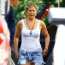 "Jennifer Aniston: filming scenes for ""We're the Millers"" in Wilmington"