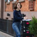 Rachel Brosnahan – 'The Marvelous Mrs. Maisel' Filming Rehearsals in Chelsea, New York - 454 x 684