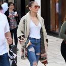 Jennifer Lopez – Last Minute Christmas Shopping in Miami