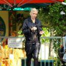 Gwen Stefani Arriving At The Studio In Burbank