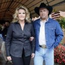 Garth Brooks and Trisha Yearwood - 454 x 561