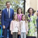 Princesa Letizia de Asturias and Felipe de Borbon : Easter Mass in Palma de Mallorca - 399 x 600