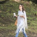 Alessandra Ambrosio Grabbing Lunch In La