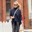 Chloe Sevigny – Walking around in New York