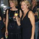 Jodie Foster and Cydney Bernard - 229 x 450