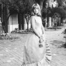 Catherine Spaak - 370 x 487