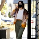 Kendall Jenner – Out for a breakfast in Los Angeles