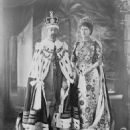 Queen Mary and King George V - 454 x 572