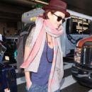 Lena Headey   – Arrives at LAX Airport in LA - 454 x 770