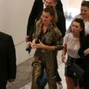 Gisele Bundchen – Arrives at Rosa Cha Event in Los Angeles - 454 x 668