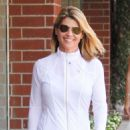 Lori Loughlin – Visit the nail salon in Los Angeles - 454 x 681
