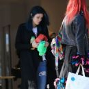Bella Thorne – Exiting a Hair Salon Make Up Free With Sister Dani Thorne, Los Angeles 1/16/ 2017 - 454 x 716