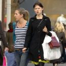 Sophie Ellis-Bextor - Sophie Ellis Bextor Shopping With A Friend In Kings Road, London 2008-04-01