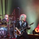 Queen & Adam Lambert rock Vancouver at Rogers Arena on July 2, 2017 - 454 x 636