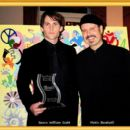Metin Bereketli congratulates Seann William Scott, the winner of the Male NOVA Award. - 454 x 393