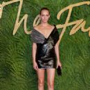 Amber Valletta – 2017 Fashion Awards in London - 454 x 658