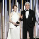 Julianne Moore and Richard Gere At The 76th Golden Globe Awards (2019) - 400 x 600