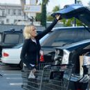 Malin Akerman – Shopping for Thanksgiving in Los Angeles