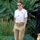 Kristen Stewart in Brown Pants – Leaving a friends house in Los Angeles