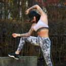 Jemma Lucy in Tights and Sports Bra – Workout in Manchester - 454 x 619