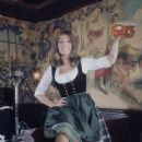 Ingrid Pitt - 338 x 450