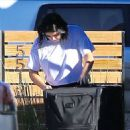 Ariel Winter – Unloading Her Luggage Out of Her Car, Los Angeles 1/13/ 2017 - 454 x 521