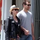 Diane Kruger - Joshua Jackson Take A Stroll On Abbot-Kinney In Venice, CA, June 10, 2010