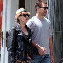Diane Kruger - Joshua Jackson Take A Stroll On Abbot-Kinney In Venice, CA, June 10, 2010