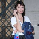 Kate Micucci – Visits The Late Show With Stephen Colbert in New York - 454 x 734