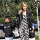 Heidi Klum Takes Her Wedding Ring Off