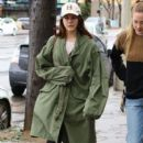 Lana Del Rey and a friend are spotted out shopping in Sherman Oaks, California on January 23, 2017 - 407 x 600