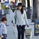 Selma Blair is seen out shopping for groceries in Studio City, California on January 21, 2017 - 454 x 588