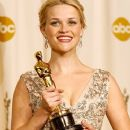 Reese witherspoon At The 78th Annual Academy Awards - Press Room (2006)