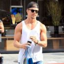 Derek Hough enjoys some solo shopping in Beverly Hills, California on September 9, 2015 - 443 x 600
