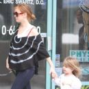Isla Fisher - Takes Daughter To A Class In LA, 2010-04-20