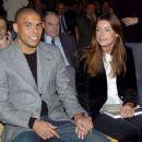 Ronaldo and Daniela Cicarelli - 454 x 359