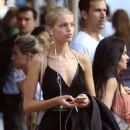 Daphne Groeneveld – Shopping at La Perla in New York - 454 x 569