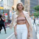 Devon Windsor – Arrives at 2017 Victoria's Secret Fashion Show Casting in NYC - 454 x 454