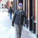 Matt Bellamy does some last minute Christmas shopping on Christmas Eve in Aspen, Colorado on December 24, 2014 - 454 x 567