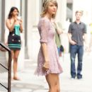 Taylor Swift Leaving Her Apartment In Nyc