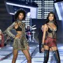 2017 Victoria's Secret Fashion Show in Shanghai - 400 x 600