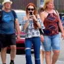 Lindsay Lohan in Jeans with friend out in New York City - 454 x 587