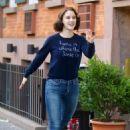 Rachel Brosnahan – 'The Marvelous Mrs. Maisel' Filming Rehearsals in Chelsea, New York - 454 x 676