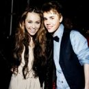 Miley Cyrus and Justin Bieber - 454 x 566