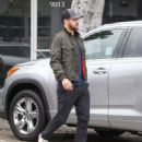 Justin Timberlake makes a stop at Au Fudge restaurant on April 9, 2016 - 454 x 549