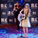 Taylor Swift performs at the 2012 Ripple Of Hope Gala at The New York Marriott Marquis on December 3, 2012 in New York City