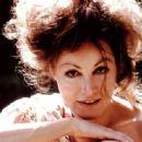 Julie Newmar - 454 x 335