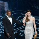 Jamie Foxx and Jessica Biel at The 86th Annual Academy Awards - Show (2014)