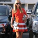 Paris Hilton stops by the Meche Salon in Beverly Hills, California on May 12, 2016 - 396 x 600